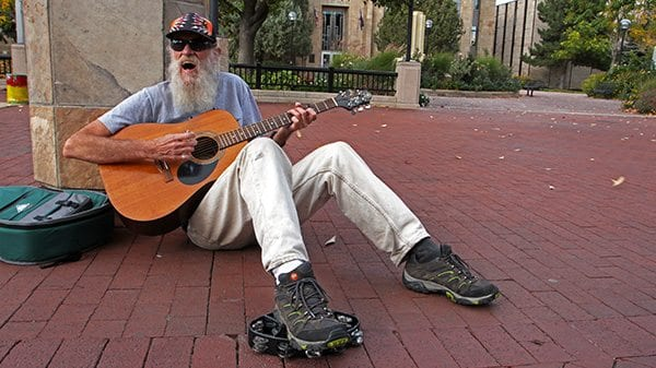 An 'old man' sings Neil Young on Pearl Street. (Photo: Joseph Wirth)